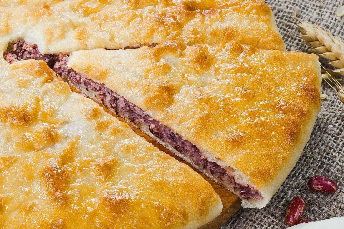 Начинка осетинского пирога с фасолью, грибами и сыром