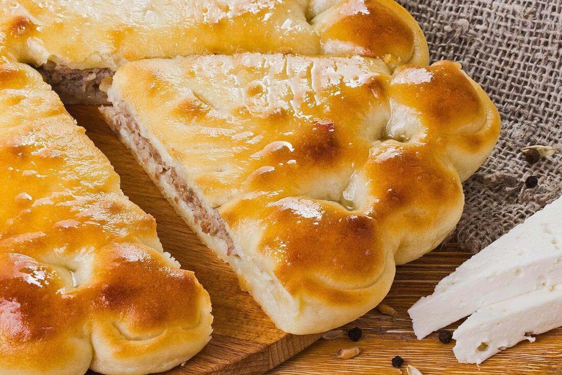 Начинка осетинского пирога с говядиной, грибами и сыром