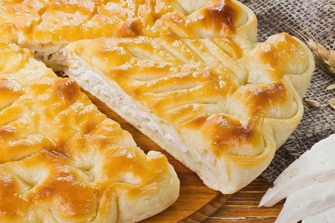 Начинка осетинского пирога с индейкой, грибами и сыром