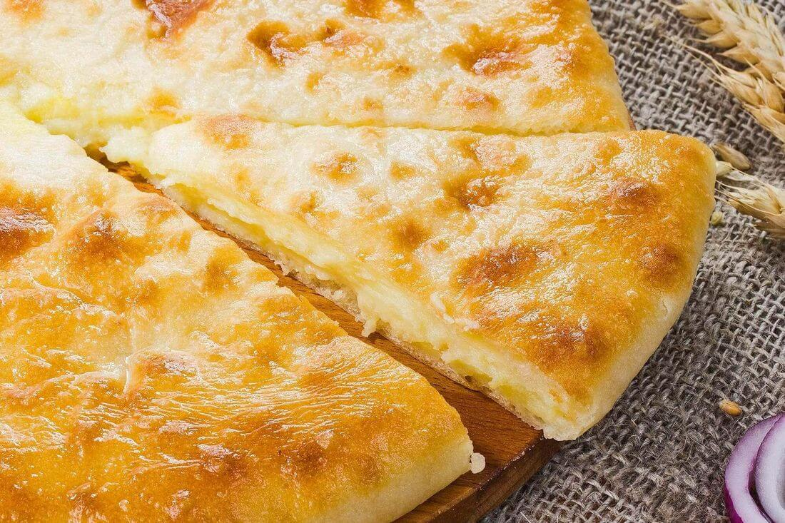 Начинка осетинского пирога с картофелем, грибами и луком (къозоджын)