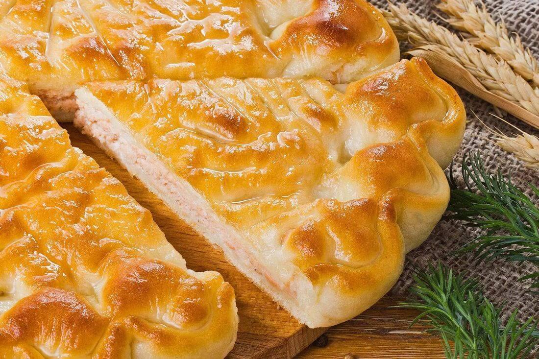 Начинка осетинского пирога с лососем и зеленью