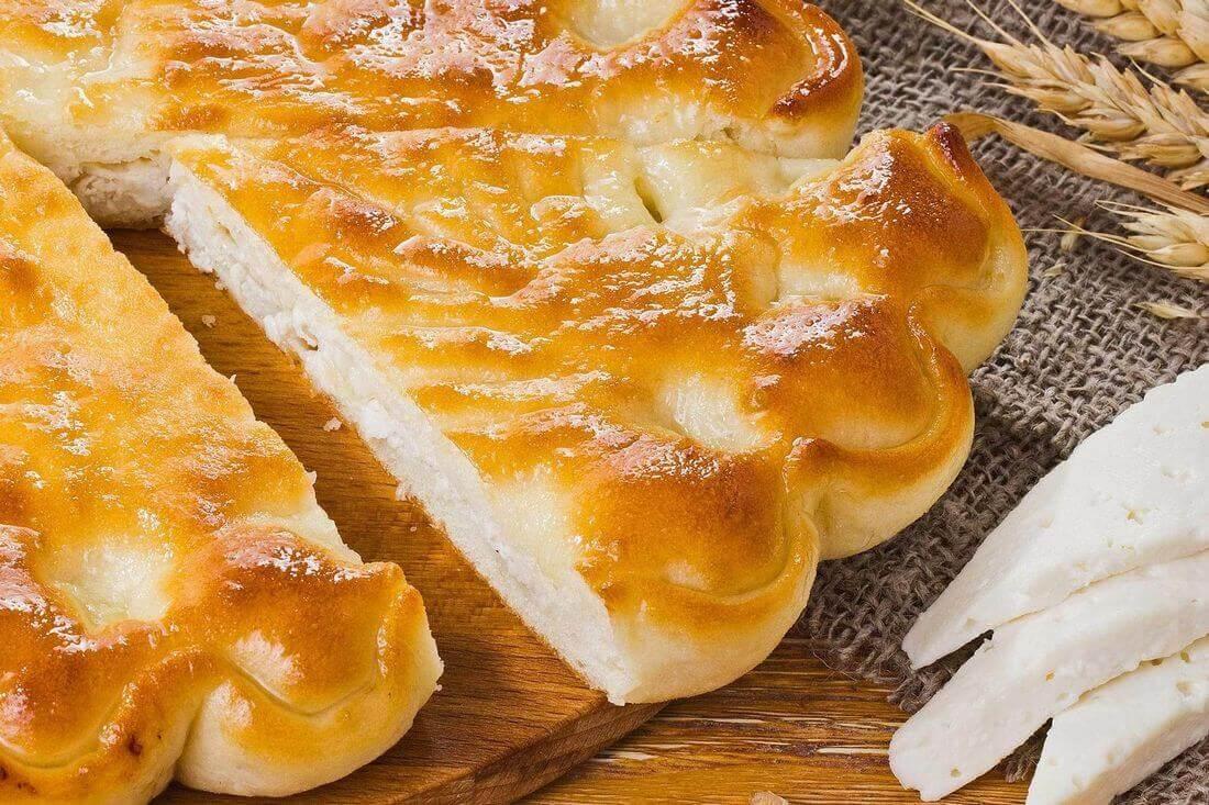 Начинка осетинского пирога с сыром и курицей