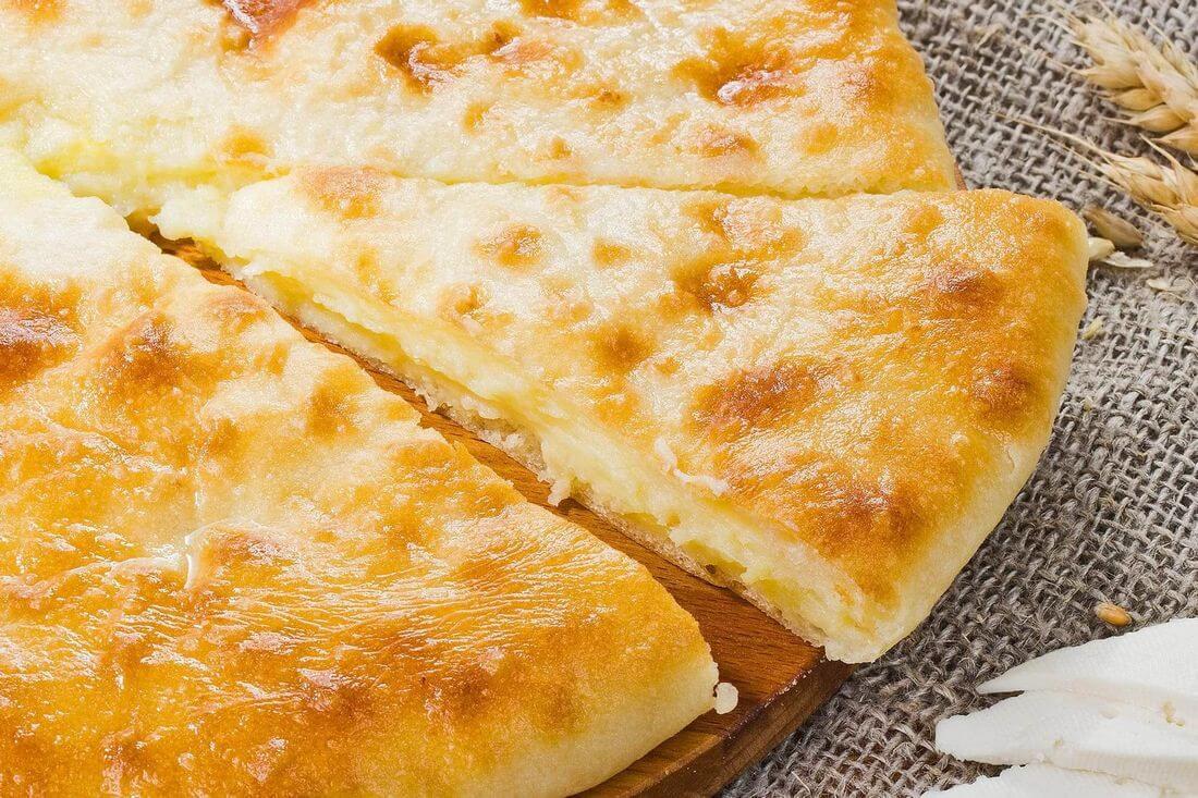 Начинка осетинского пирога с сыром, картофелем и грибами