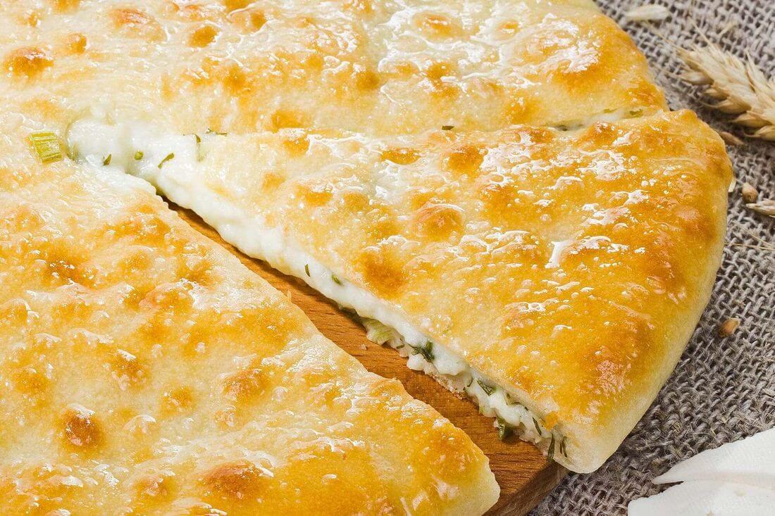 Начинка осетинского пирога с сыром, зеленью и грибами