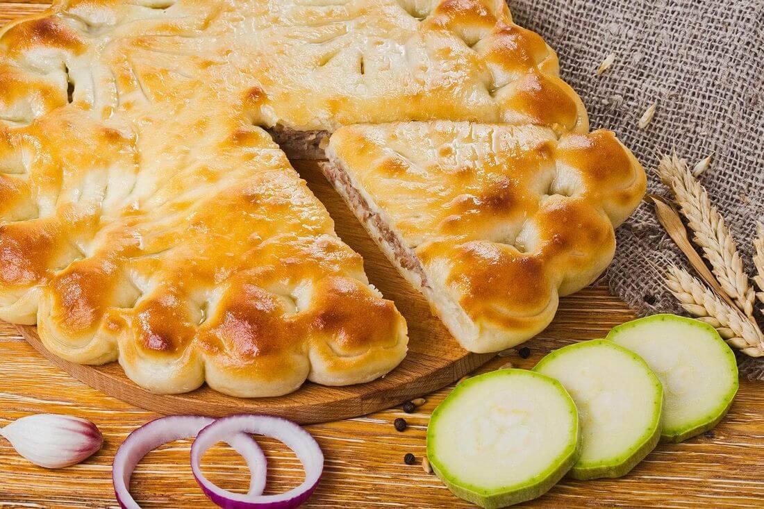 Осетинский пирог с говядиной и кабачками