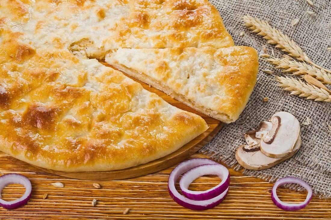 Осетинский пирог с грибами и жареным луком