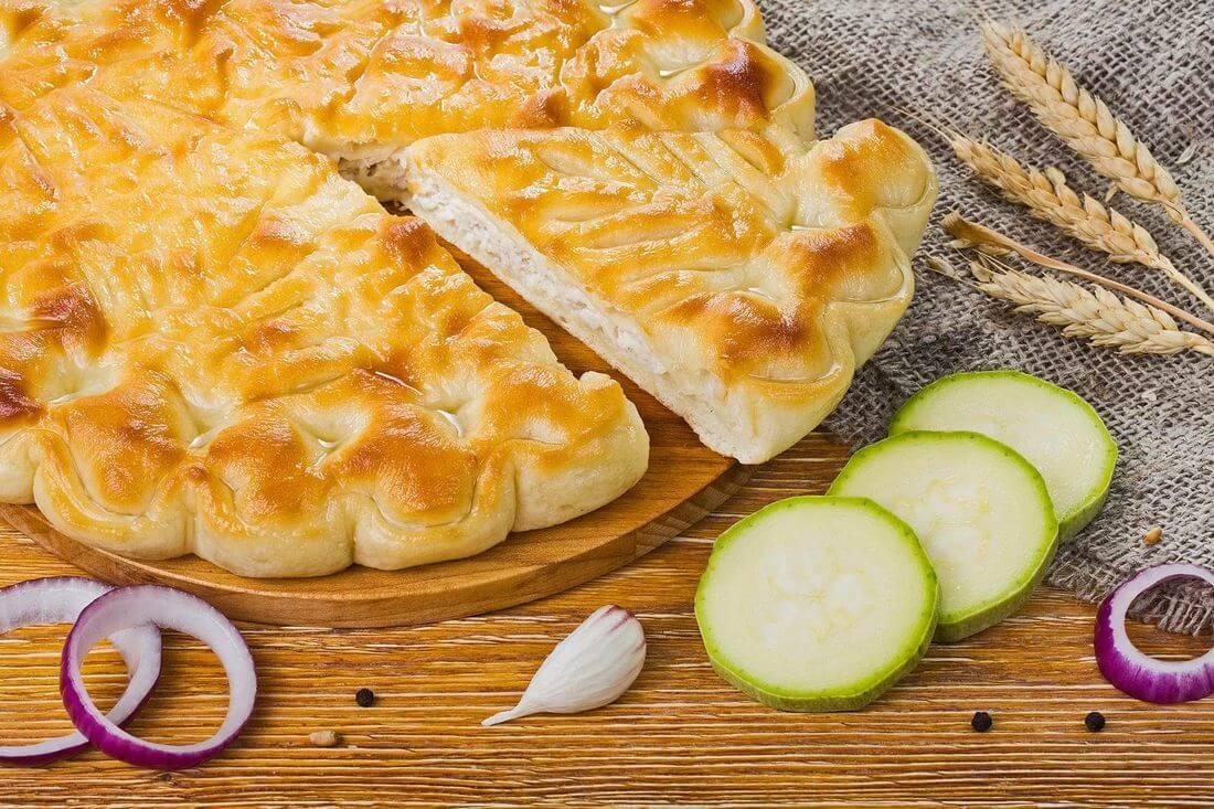 Осетинский пирог с индейкой и кабачками