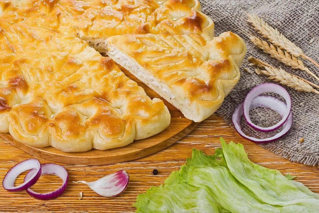 Осетинский пирог с индейкой и капустой