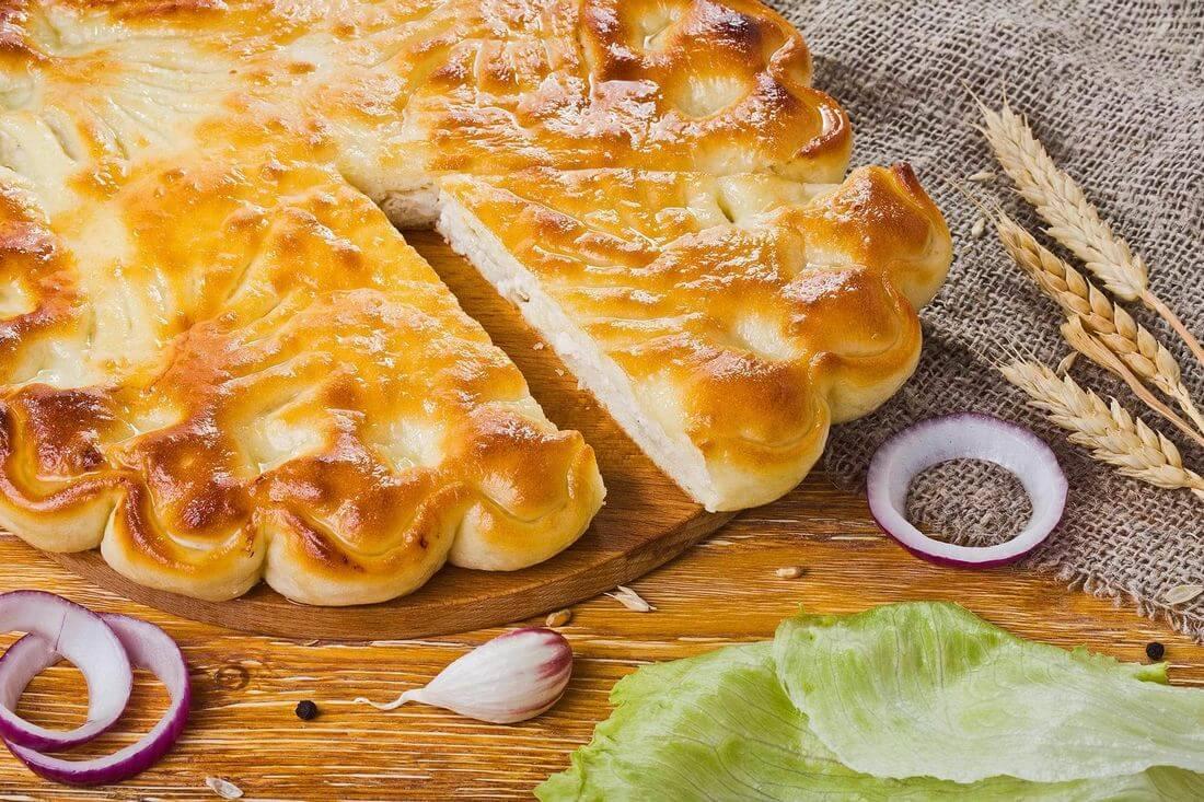 Осетинский пирог с курицей и капустой