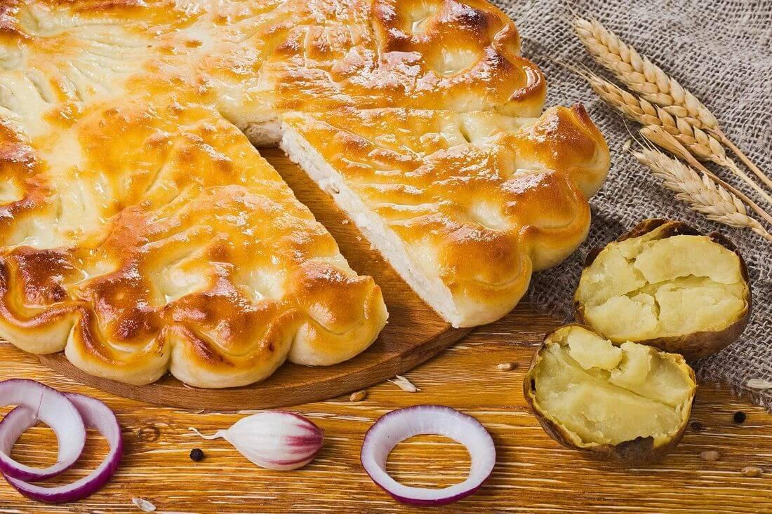 Осетинский пирог с курицей и картофелем