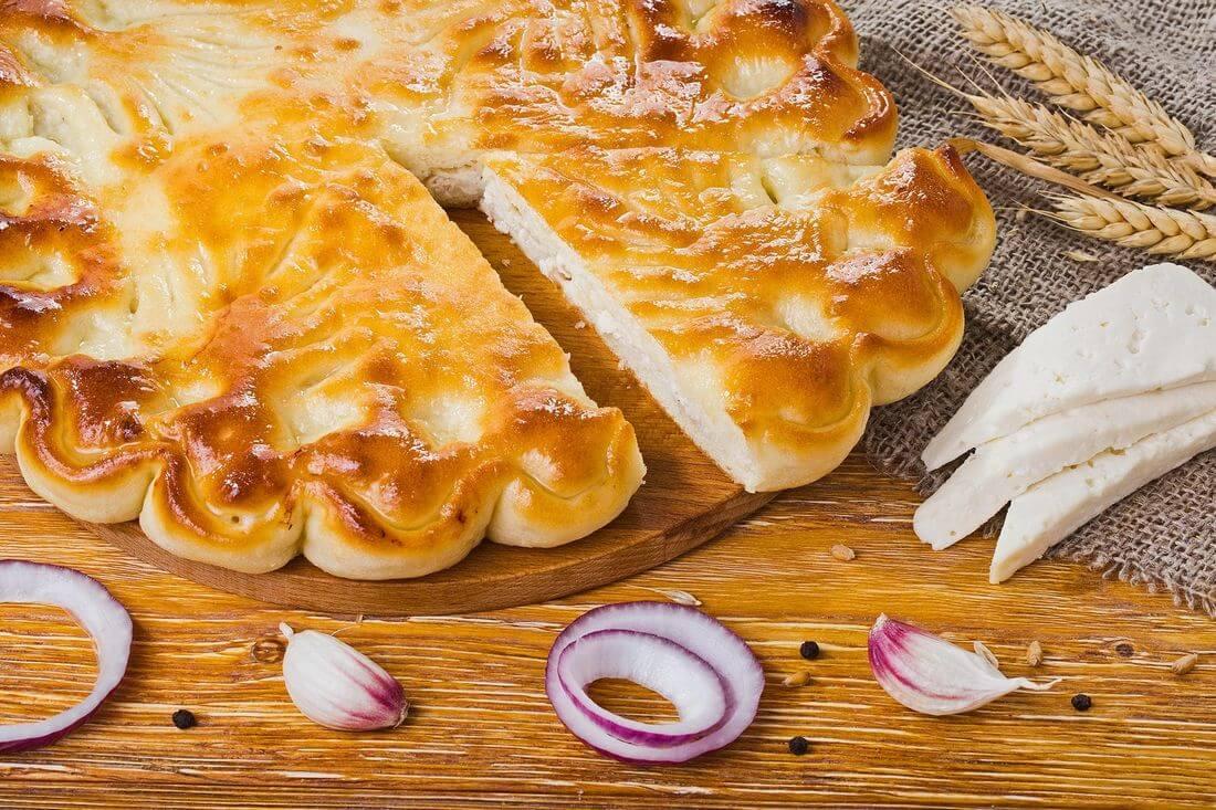 Осетинский пирог с сыром и курицей